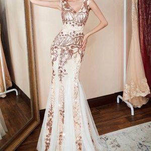 Dresses & Skirts - Cream gold sequined formal mermaid dress